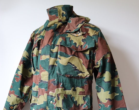 """Vintage 1950s 50s Canadian Air Force paratroopers jacket anorak donkey tail Dennison camo camouflage military 50"""" chest"""