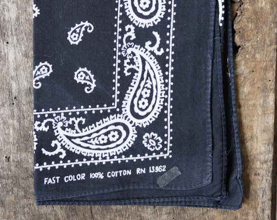 Vintage 1990s 90s cotton colourfast colorfast black bandana pocket square neckerchief paisley rockabilly western cowboy