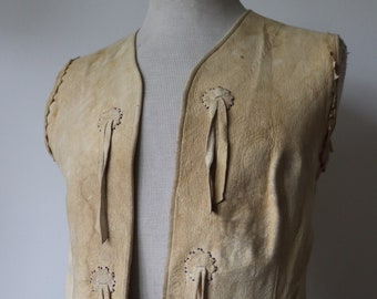 "Vintage 1960s 60s cream chamois buckskin leather beaded vest waistcoat hand embroidered tassel Native American South Western 36"" chest"