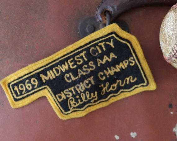 Vintage 1960s 60s chenille patch Letterman sports american high school college track field sportswear jacket chain stitch