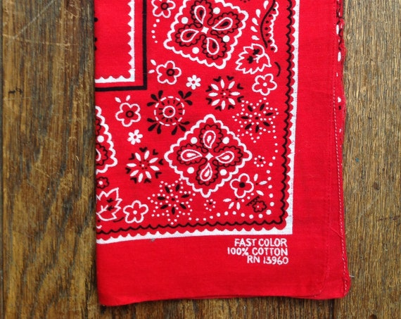 Vintage 1960s 60s 1970s 70s turkey red cotton bandana western cowboy color fast made in USA rockabilly