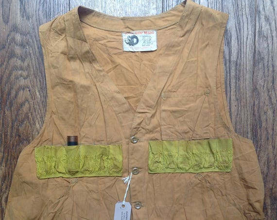 """Vintage 1970s 70s Black Sheep duck tan brown tin cloth cotton canvas hunting shooting cartridge vest waistcoat workwear 48"""" chest"""