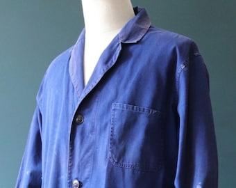 "Vintage 1970s 70s French indigo blue bleu de travail long chore work coat jacket factory workwear 48"" chest back belt atelier"