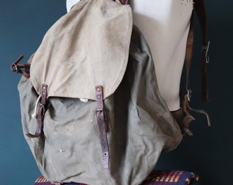 Vintage 1940s 40s WW2 Swedish army military M-39 M39 M 39 bag rucksack backpack khaki green metal frame canvas leather camping hiking