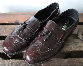 Vintage oxblood leather Florsheim tassel loafers slip on shoes Ivy League style mod wing tip US 7 mens womens unisex