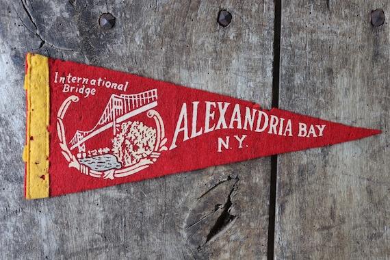 Vintage 1960s 60s red felt pennant flag tourist souvenir American Americana Alexandria Bay wall decor shop retail display