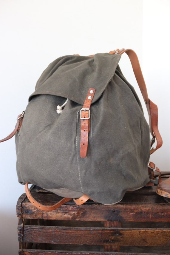 Vintage 1940s 40s Swedish army military canvas leather metal frame M39 M-39 backpack rucksack camping hiking khaki green