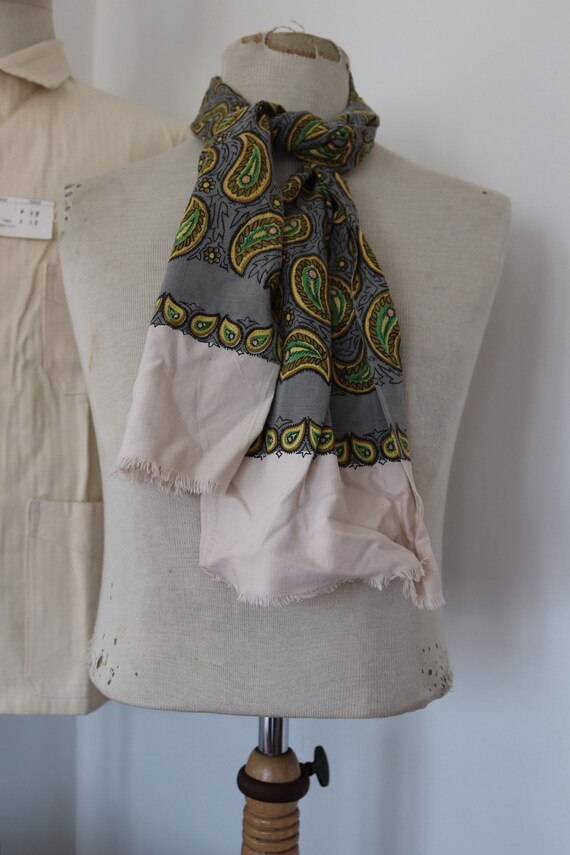 "Vintage 1960s 60s mens tassel tassled scarf mod dapper dandy grey yellow green paisley cotton 9"" x 51"""