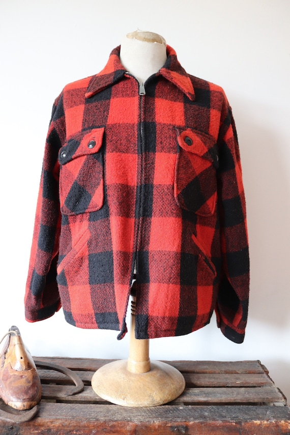 """Vintage 1960s 60s 1970s 70s Monterey Sportswear red black wool checked buffalo plaid hunting shooting jacket Talon zipper 48"""" chest"""
