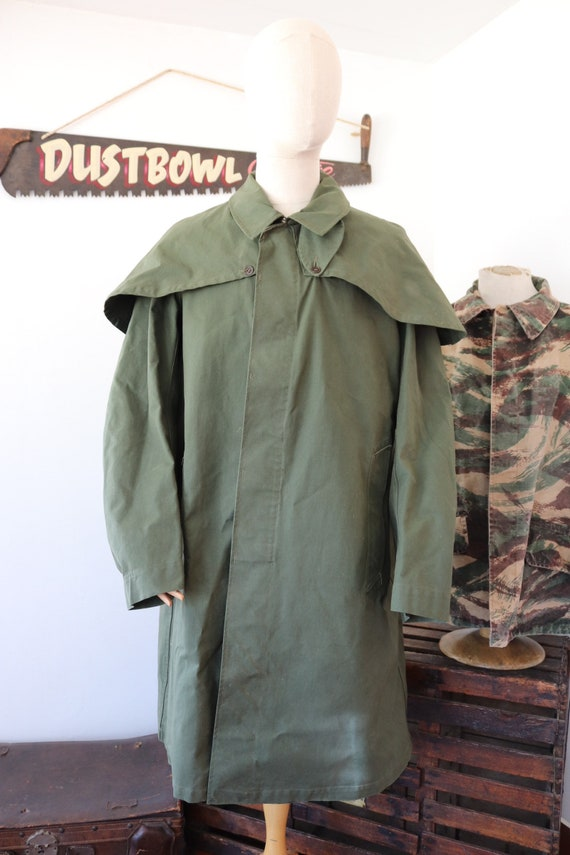 "Vintage 1950s 50s 1960s 60s French khaki green cotton canvas rain coat military SIAJE cape 54"" chest"