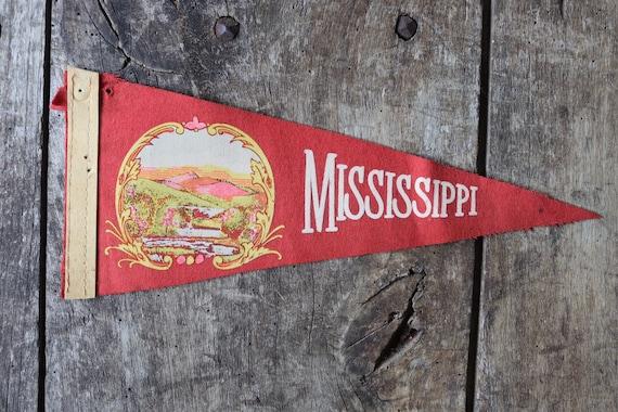 Vintage 1960s 60s red felt pennant flag tourist souvenir American Americana Mississippi retail shop display wall decor