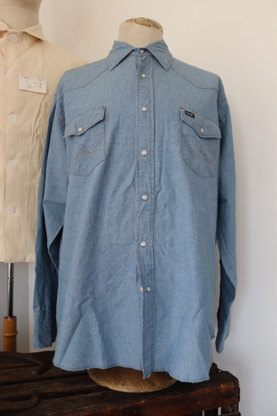 "Vintage 1990s 90s Wrangler chambray denim western shirt pearl snaps cowboy XL 52"" chest"