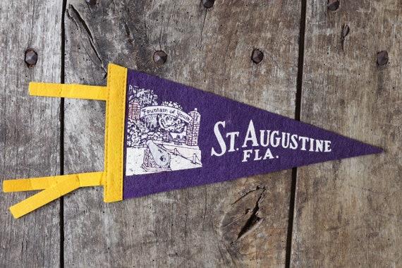 Vintage 1960s 60s purple felt pennant flag tourist souvenir American Americana Fountain of Youth St Augustine wall decor shop retail display