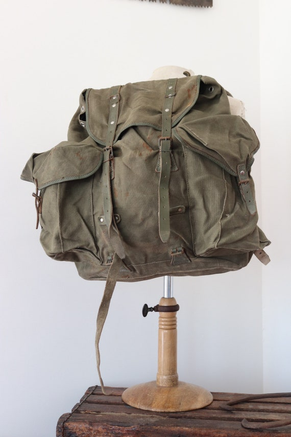 Vintage 1960s 60s French army military canvas leather metal frame backpack rucksack khaki green camping walking hiking