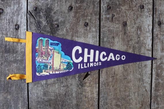 Vintage 1960s 60s purple felt pennant flag tourist souvenir American Americana Chicago Illinois wall decor retail shop display