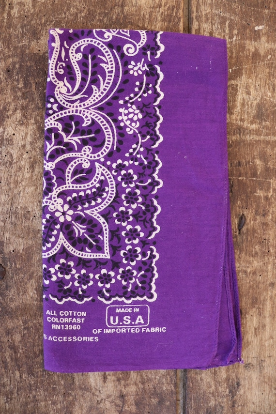 Vintage purple paisley cotton bandana RN 13960 made in USA cowboy western rockabilly