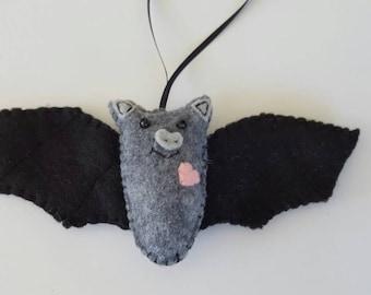 Bat Ornament, Halloween Bat Ornament, Felt Bat Ornament, Halloween Party Favors, Whimisical Felt Bat, Halloween Bat Decor, Black Bat Decor