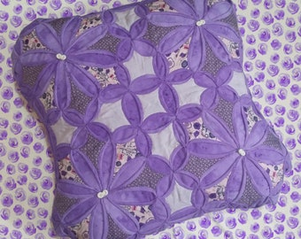 Cathedral window violet cushion tutorial. PDF download + patterns + Video instructions.