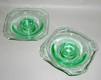 Round Chunky Console Table Bedside Mantle Vintage Emerald Green Painted Glass Candlestick Holder Taper Imitation Depression Glass