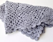 grey crocheted scarf / sh...