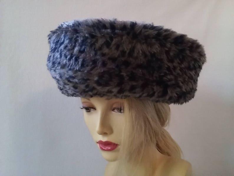 7c3a37eb5883c Vintage Inspired Faux Fur Leopard Beret Hat