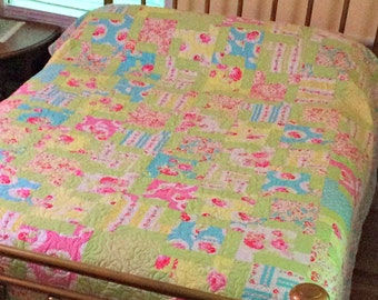 Floral Quilt, Shabby Chic Quilt, Queen Size Bedding, Comfortable Couch Throw, Green Aqua Rose Bedroom Decor