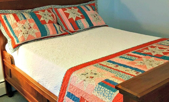 Quilted Bed Runner And 2 Pillow Shams Chicken Quilt Bed Set Etsy