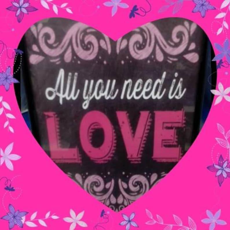 SPREAD THE LOVE - Share A Smile