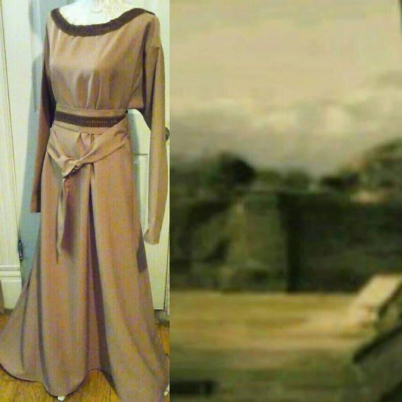VIKING QUEEN CRISSCROSS Trim Dress - Larping - Nordic - Viking -Renaissance  - Northerner Shieldmaiden - Portrait Neckline