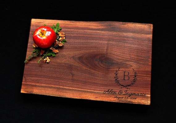 Personalized Cutting Board - Live Edge Cutting Board - Walnut Cutting Board w/Feet 11x17 - Made In Canada - Solid Wood Cutting Board