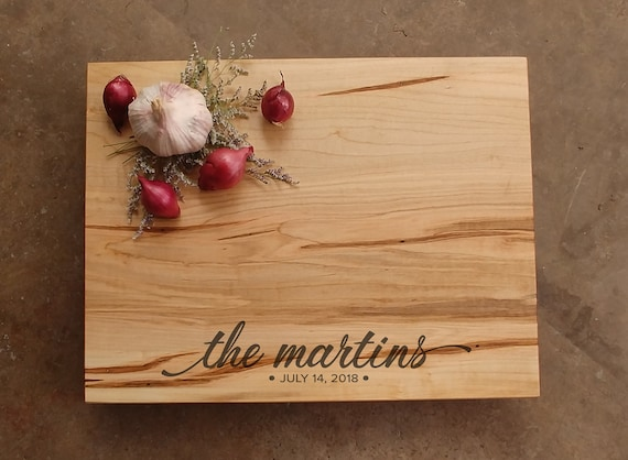 Personalized Cutting Board in Maple with Modern Script Design