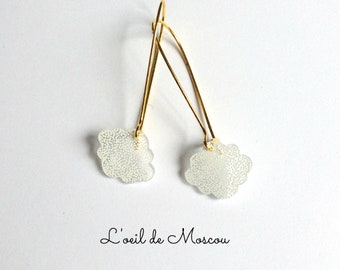 Earrings sleepers gold, white clouds