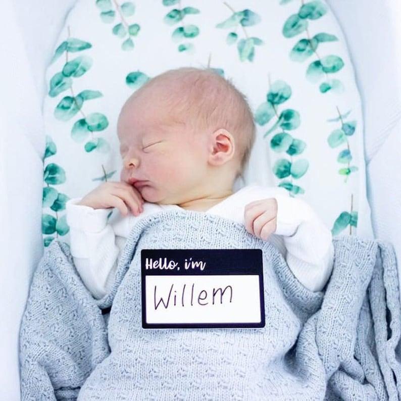 Hello I/'m Birth Announcement Plaque Baby Announcement Newborn Photoshoot Photo Prop