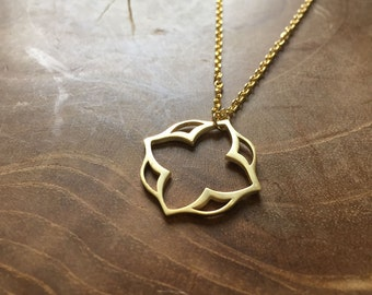 Moroccan Lotus Gold - necklace with an outline pendant with a Moroccan feel. goldtone, cute, steel, lotus, indian, delicate, minimal