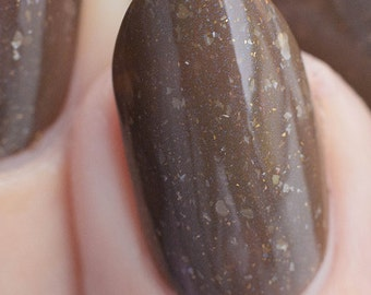 Outlander - 5 ml mini - Taupe brown with white flakes, bronze sparks and blue shimmer - indie polish by ALIQUID Lacquer