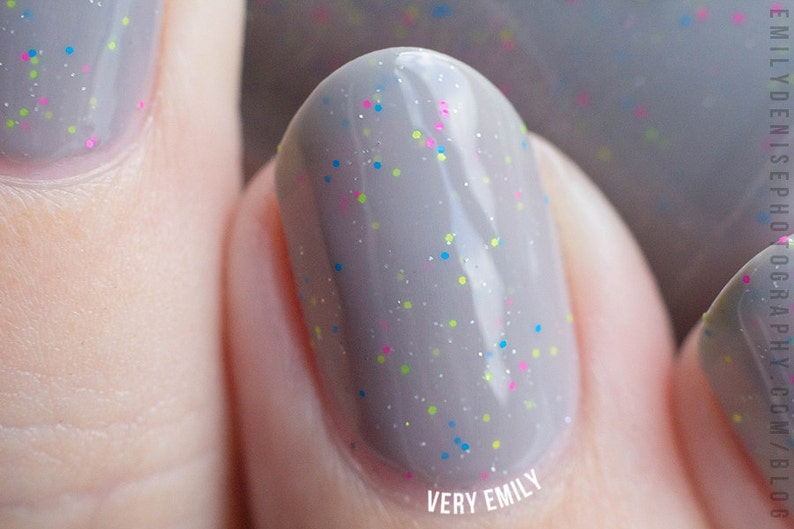 Serenity Now Insanity Later  15 ml  medium grey crelly with image 0