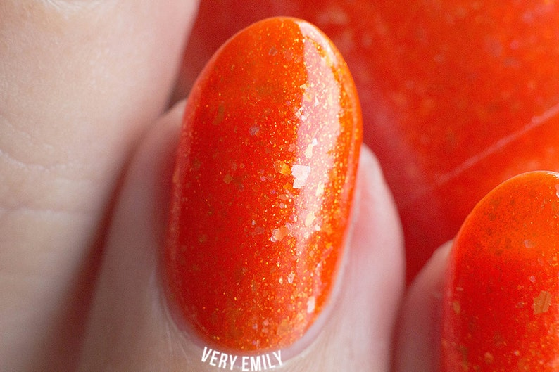 Oriole  15 ml  carrot orange jelly with gold shimmer and image 0