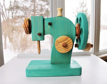 Sewing machine, wooden toy, roleplay, immitation game