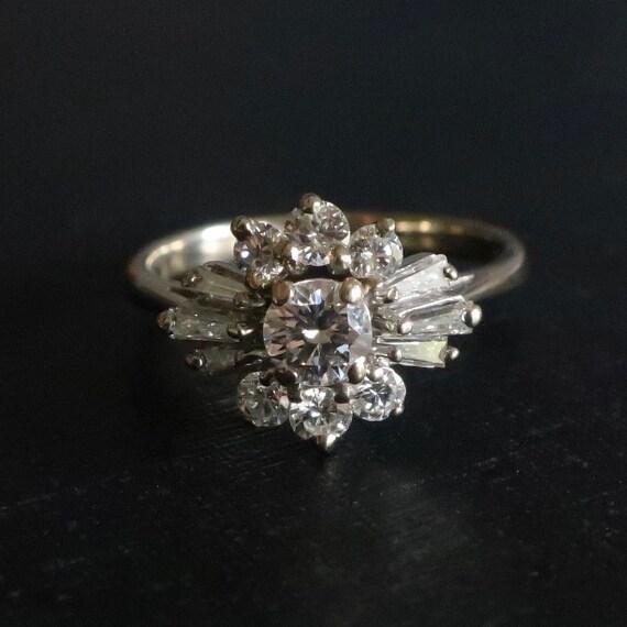 Vintage diamond cluster ring. Vintage Art Deco eng