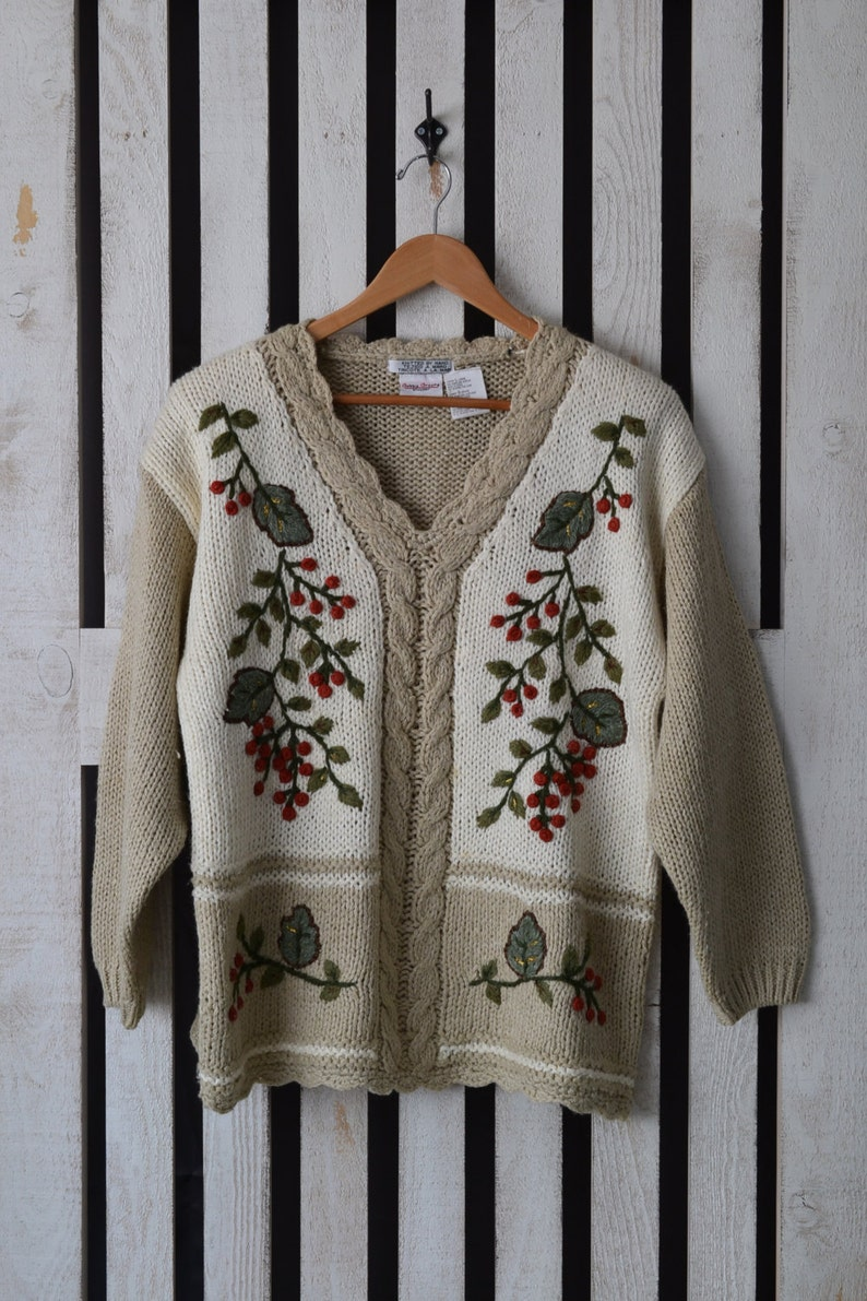 d6683be588b Bobbie Brooks Women s Applique Hand Knit Sweater 80s 90s