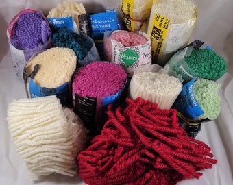 Brunswick Latch Hook Rug Yarn Acrylic 16 Pk 1 oz Bundles White Scarlet or Green