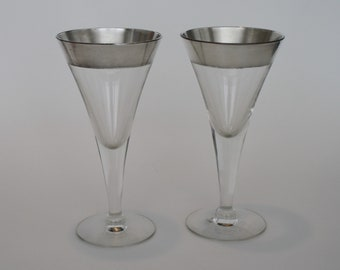 Pair of Dorothy Thorpe Silver Band Trumpet Shape Champagne Flutes Cocktail Glasses