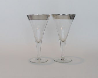Pair of Outstanding Dorothy Thorpe Silver Band Trumpet Shape Water Wine or Champagne Goblets