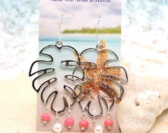 Monstera Leaf Earrings / Beachy Boho Earrings / Leaf Earrings / Tropical Earrings / Beach Wedding
