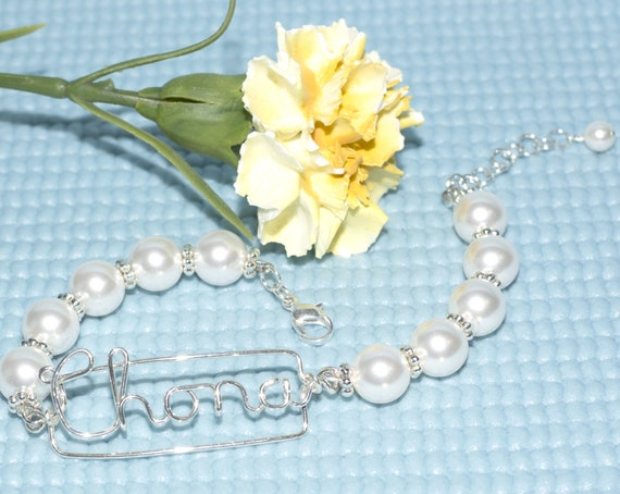 Adjustable Wire Name Pearl Bracelet - Graduation Gift, First Communion Gift, Birthday Gift, Mother's day Gift