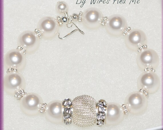 Stretchable Personalized Initial Bracelet Monogram Bracelet with Swarovski Crystal Pearls
