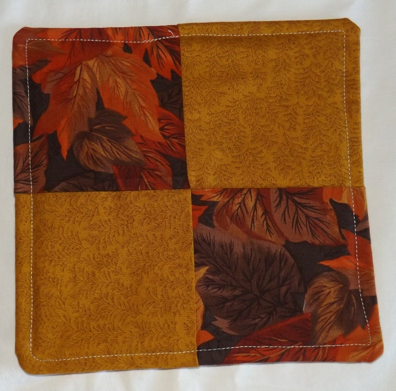 Multicolor with Pumpkins Reversible Thanksgiving Cotton Hot Pad Fruit /& Leaves Autumn Quilted Potholder 7.5 Square Kitchen Decor