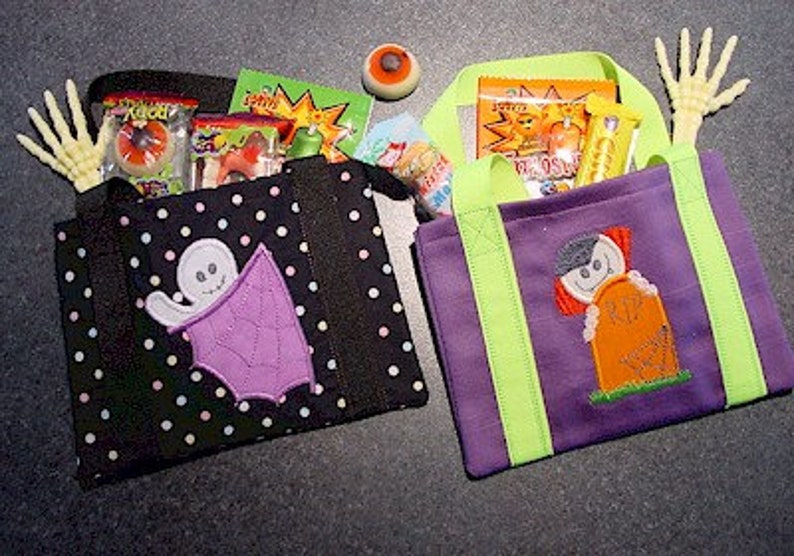 ITH Halloween Tote Bags 5x7 machine embroidery hus pes jef instant download in the hoop project