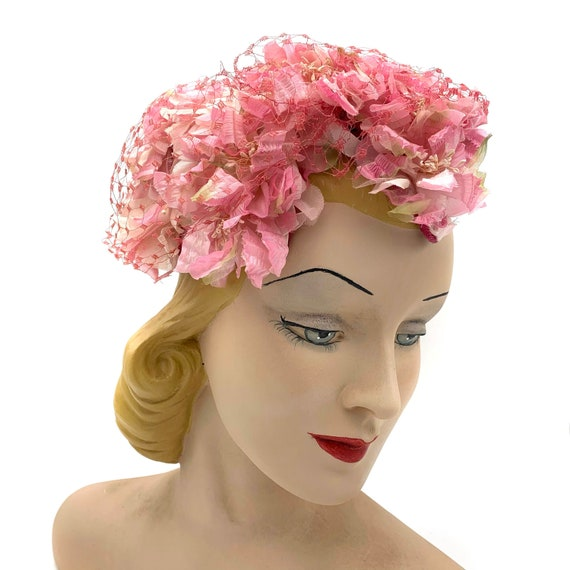 1950s Pink Floral Hat With Veil Overlay - image 1
