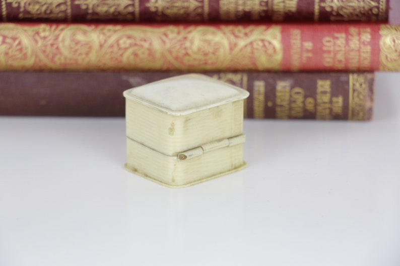 Vintage Ring Box Engagement or Wedding Ring Box